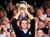 david-kirk-holding-world-cup-aloft-in-1987_2604605