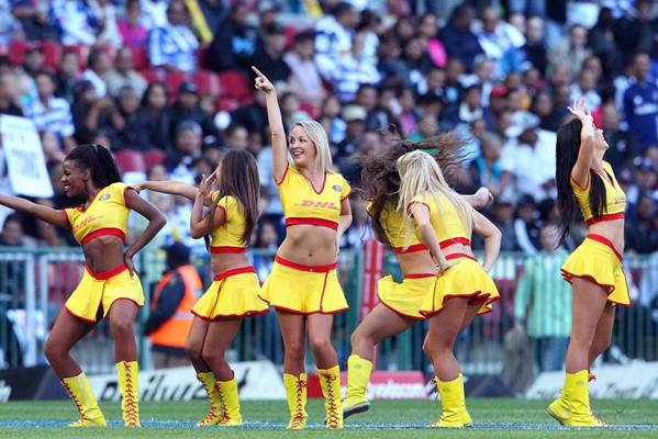 mohicanos_cheerleaders_image005271211