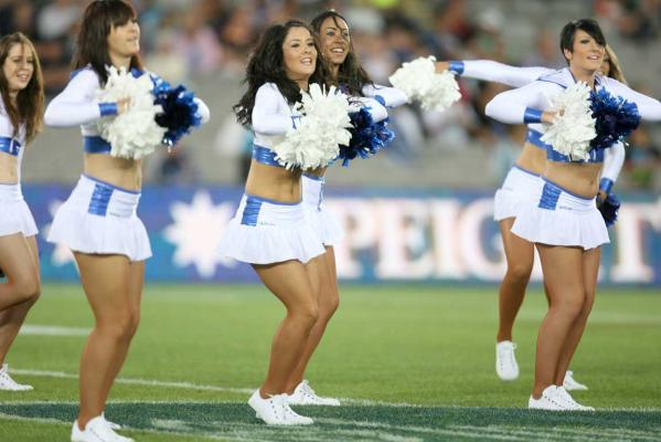 mohicanos_cheerleaders_image019271211