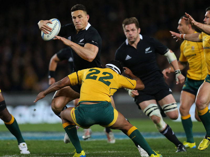 mohicanos_sonny-bill-williams-taking-on-the-line-for-ne_250812
