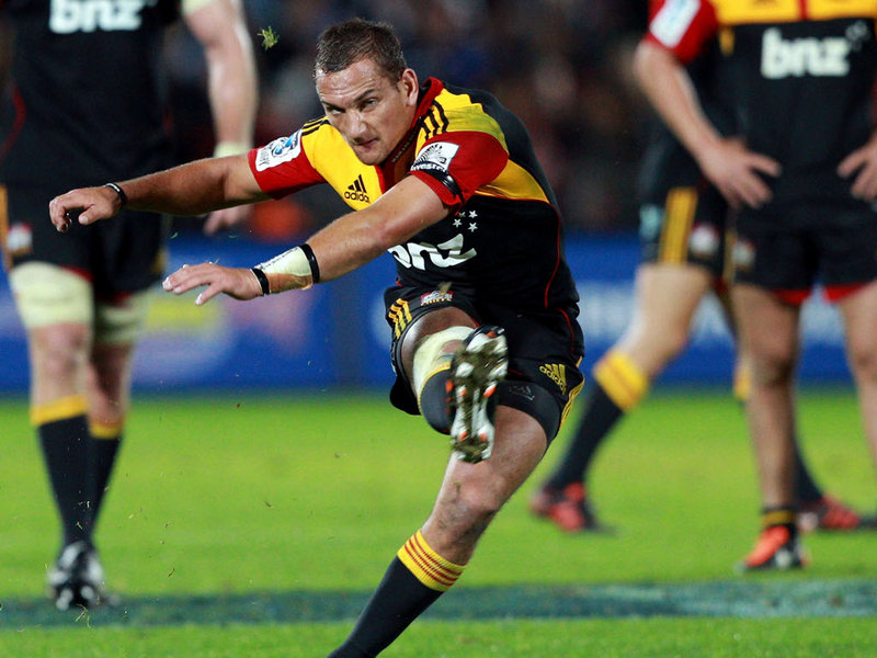mohicanos_aaron-cruden-kicking-for-chiefs-in-n1