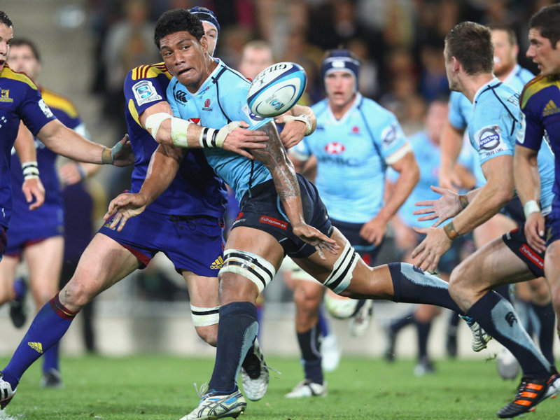 mohicanos_lopeti-timani-of-the-waratahs-offloads-v22